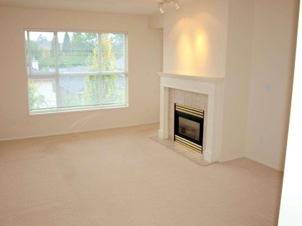"Photo 3: 302 2393 WELCHER Avenue in Port Coquitlam: Central Pt Coquitlam Condo for sale in ""PARKSIDE PLACE"" : MLS(r) # R2146402"