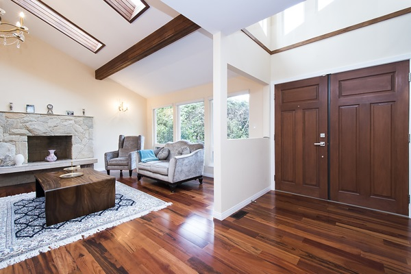 Main Photo: 5665 COVEY Place in North Vancouver: Grouse Woods House for sale : MLS(r) # R2164624