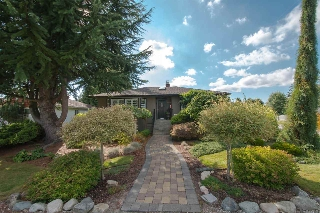 Main Photo: 4411 HALLEY Avenue in Burnaby: Burnaby Hospital House for sale (Burnaby South)  : MLS®# R2177647
