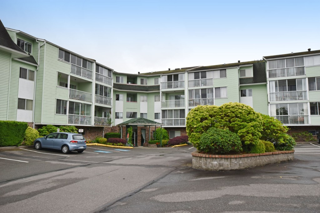 "Photo 2: 103 31850 UNION Avenue in Abbotsford: Abbotsford West Condo for sale in ""FERNWOOD MANOR"" : MLS® # R2178233"