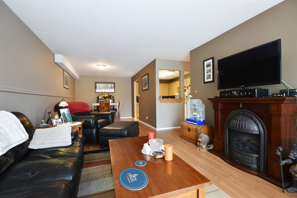 "Photo 5: 103 31850 UNION Avenue in Abbotsford: Abbotsford West Condo for sale in ""FERNWOOD MANOR"" : MLS® # R2178233"