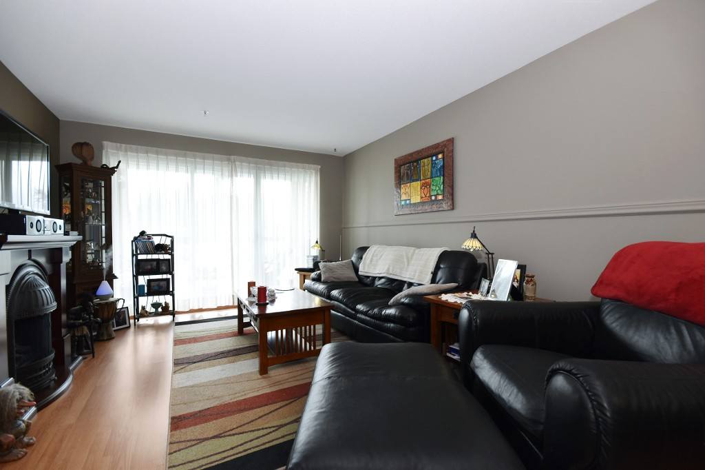 "Photo 3: 103 31850 UNION Avenue in Abbotsford: Abbotsford West Condo for sale in ""FERNWOOD MANOR"" : MLS® # R2178233"