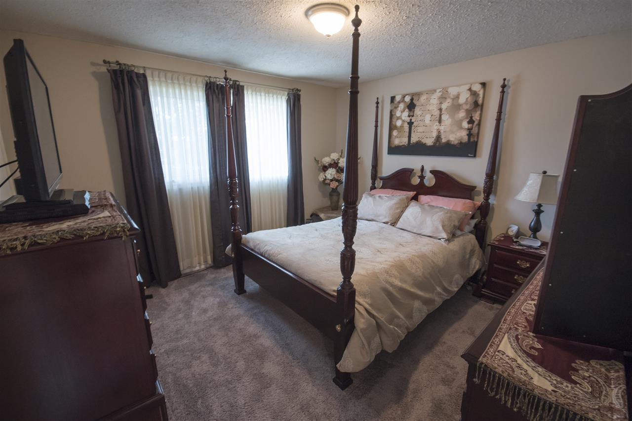 Photo 14: 2016 67 Street in Edmonton: Zone 29 House for sale : MLS(r) # E4070126