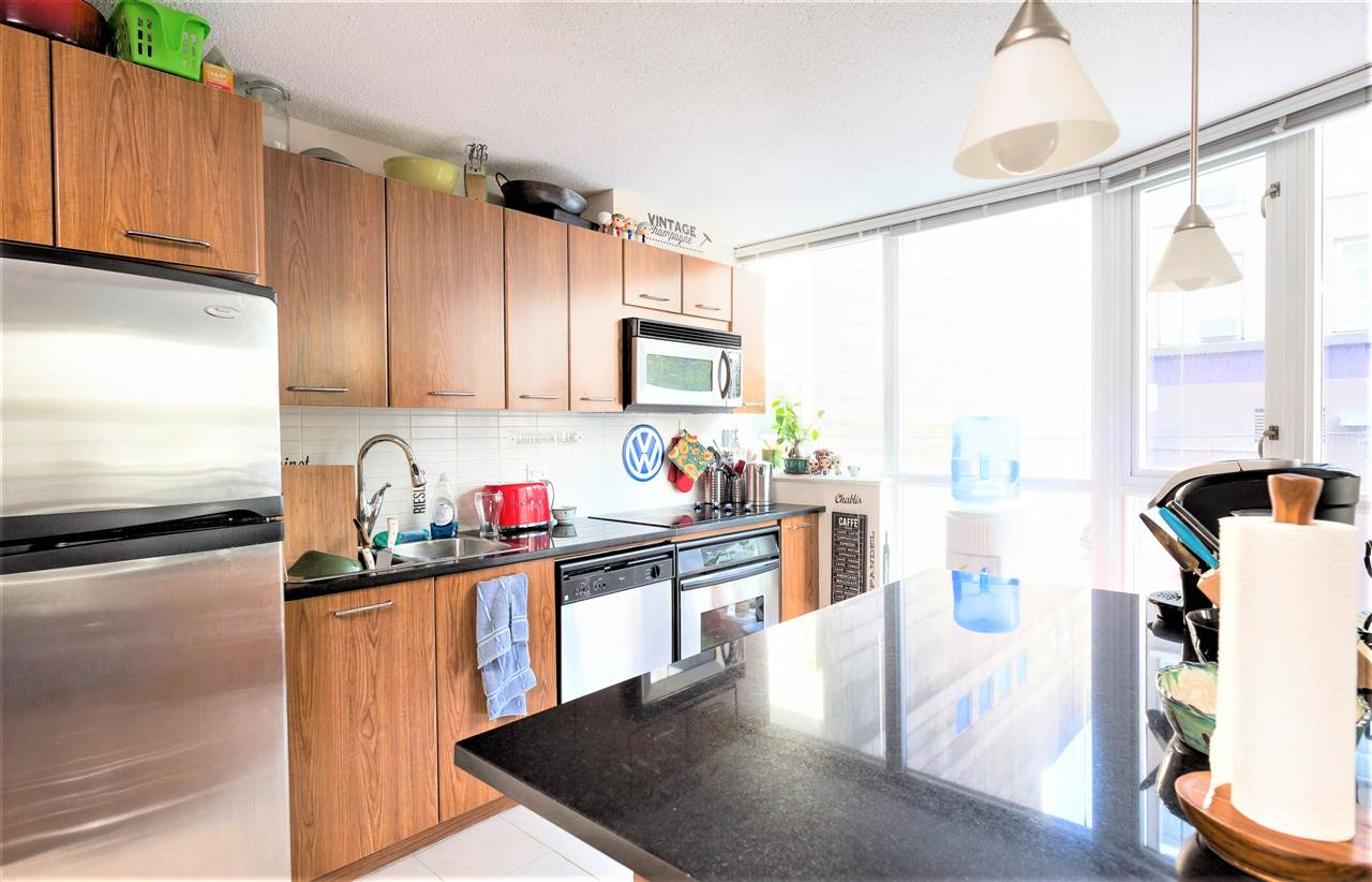 "Photo 6: 202 1199 SEYMOUR Street in Vancouver: Downtown VW Condo for sale in ""BRAVA TOWER A"" (Vancouver West)  : MLS(r) # R2183897"