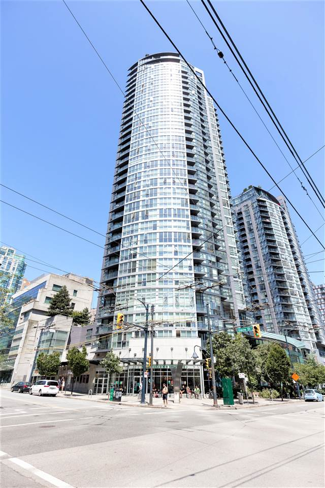 "Main Photo: 202 1199 SEYMOUR Street in Vancouver: Downtown VW Condo for sale in ""BRAVA TOWER A"" (Vancouver West)  : MLS®# R2183897"