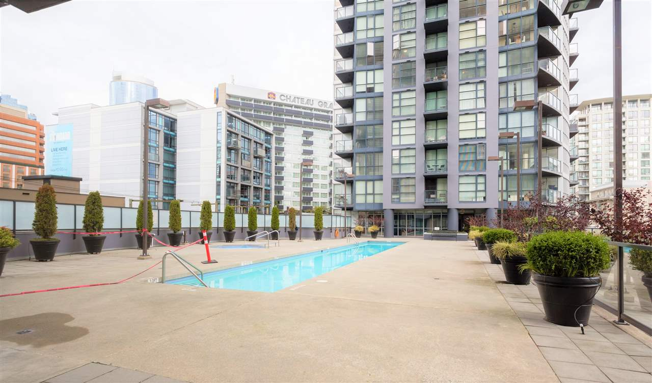 "Photo 9: 202 1199 SEYMOUR Street in Vancouver: Downtown VW Condo for sale in ""BRAVA TOWER A"" (Vancouver West)  : MLS(r) # R2183897"