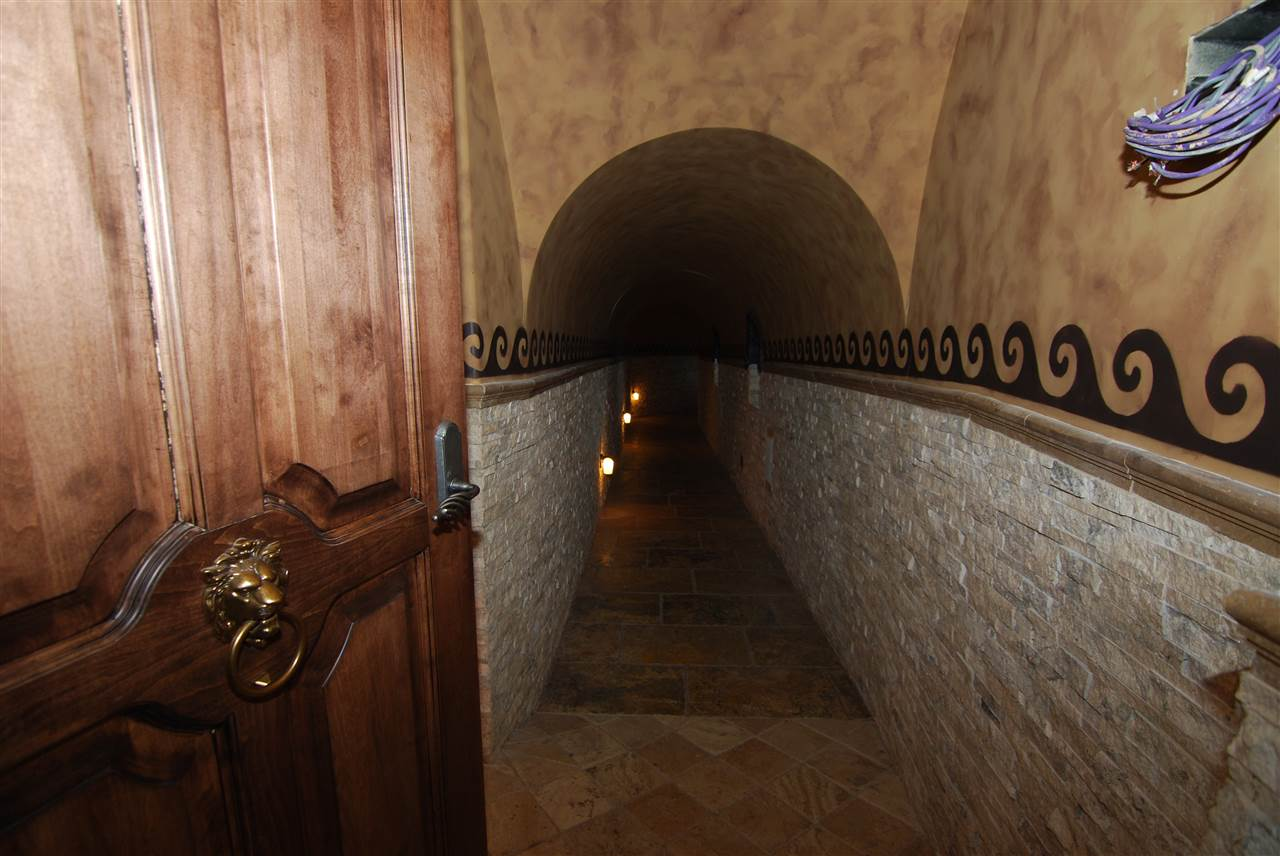 Tunnel to possible Wine Cellar