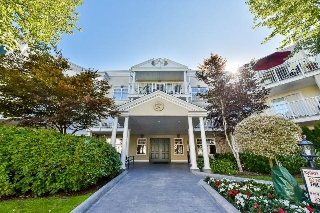 "Main Photo: 212 16065 83 Avenue in Surrey: Fleetwood Tynehead Condo for sale in ""FAIRFIELD HOUSE"" : MLS® # R2193431"