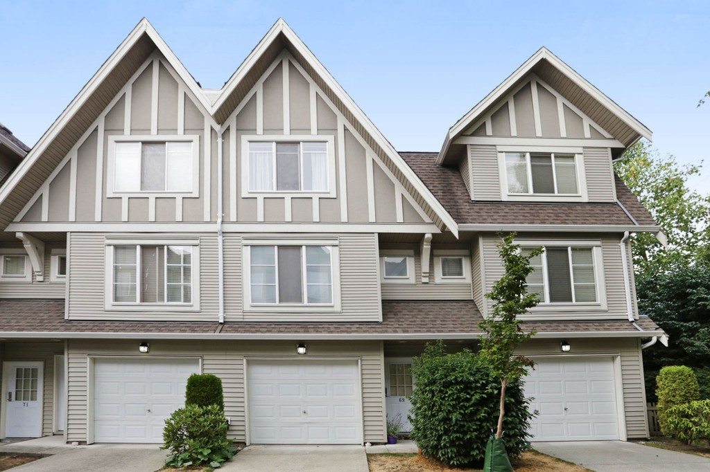 "Main Photo: 69 15175 62A Avenue in Surrey: Sullivan Station Townhouse for sale in ""BROOKLANDS"" : MLS® # R2203998"