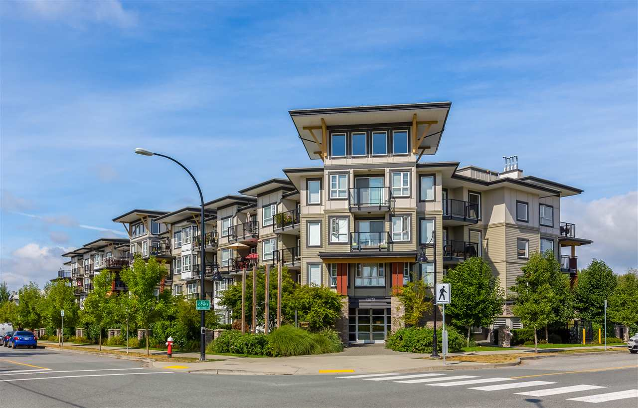"Main Photo: 414 12075 EDGE Street in Maple Ridge: East Central Condo for sale in ""EDGE ON EDGE"" : MLS® # R2204995"