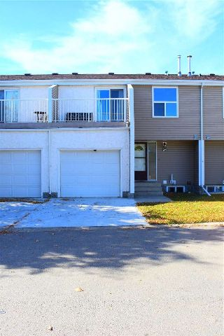 Main Photo: 241 CHATEAU Place in Edmonton: Zone 20 Townhouse for sale : MLS® # E4086209