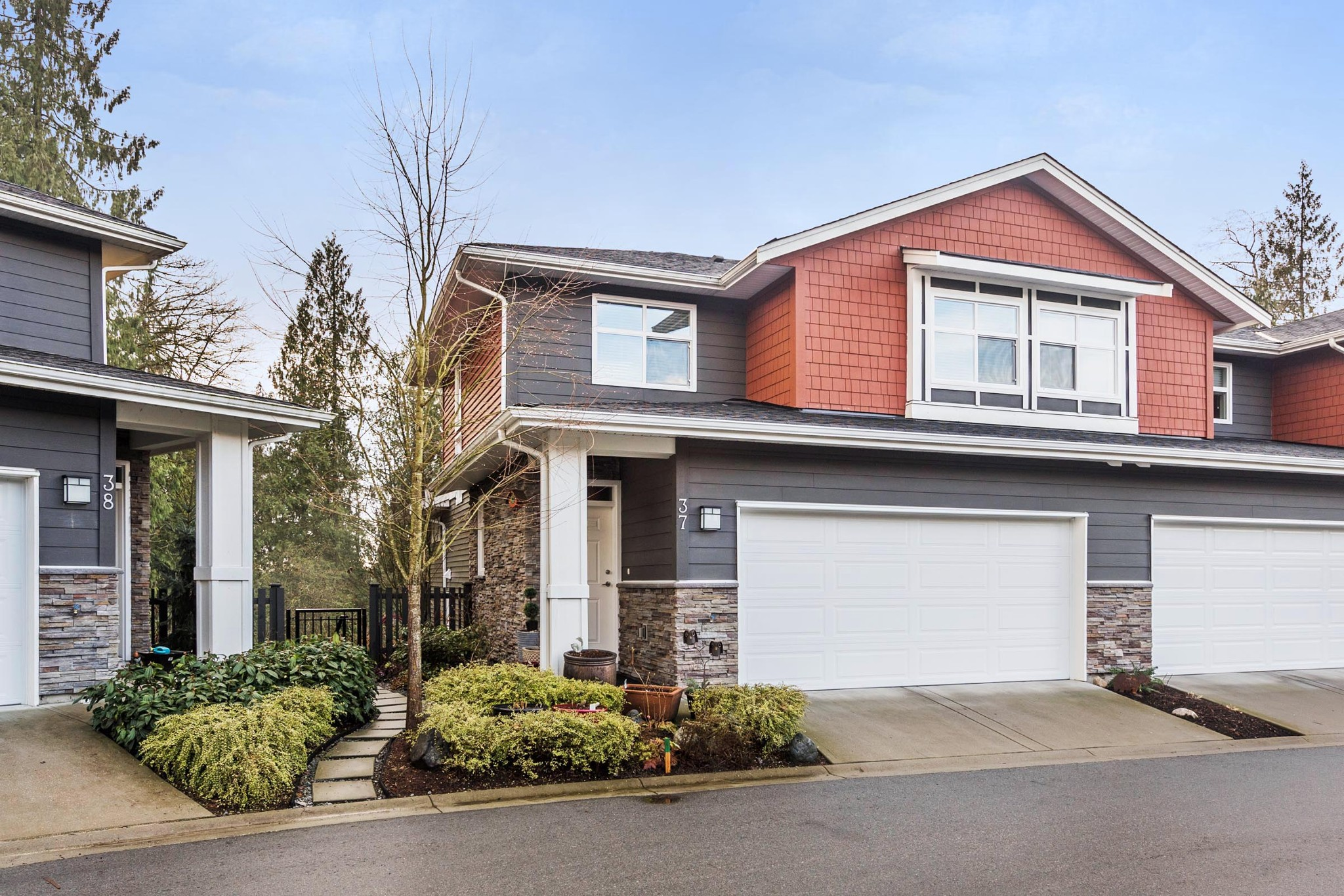 "Main Photo: 37 11461 236 Street in Maple Ridge: Cottonwood MR Townhouse for sale in ""TWO BIRDS"" : MLS®# R2232075"