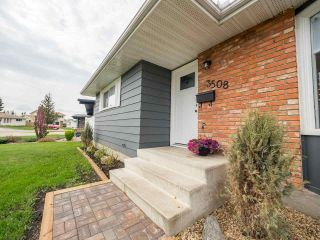 Main Photo: 3508 104 Street in Edmonton: Zone 16 House for sale : MLS®# E4111914