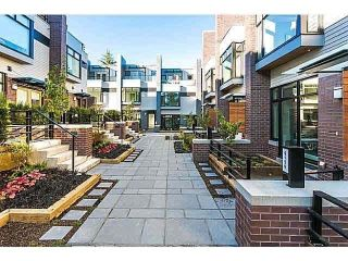 "Main Photo: 6156 OAK Street in Vancouver: Oakridge VW Townhouse for sale in ""OAK"" (Vancouver West)  : MLS®# R2281894"