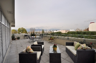"Main Photo: 310 2528 MAPLE Street in Vancouver: Kitsilano Condo  in ""PULSE"" (Vancouver West)  : MLS® # V886980"