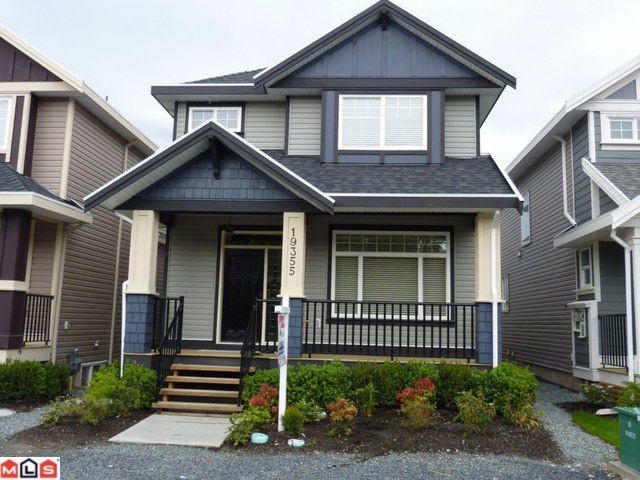 Main Photo: 19355 72ND Avenue in Surrey: Clayton House for sale (Cloverdale)  : MLS® # F1112188