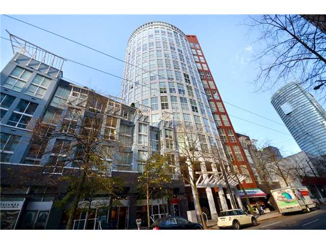 "Main Photo: 302 933 SEYMOUR Street in Vancouver: Downtown VW Condo for sale in ""THE SPOT"" (Vancouver West)  : MLS(r) # V920608"