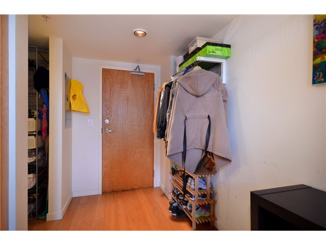 "Photo 7: 302 933 SEYMOUR Street in Vancouver: Downtown VW Condo for sale in ""THE SPOT"" (Vancouver West)  : MLS(r) # V920608"