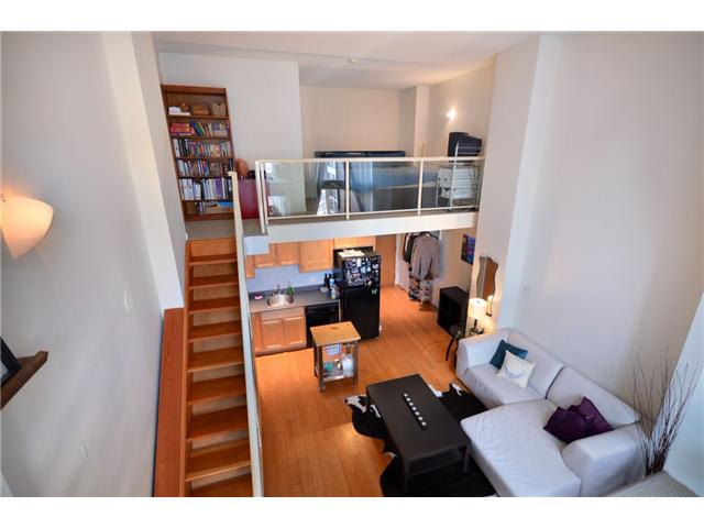 "Photo 2: 302 933 SEYMOUR Street in Vancouver: Downtown VW Condo for sale in ""THE SPOT"" (Vancouver West)  : MLS(r) # V920608"
