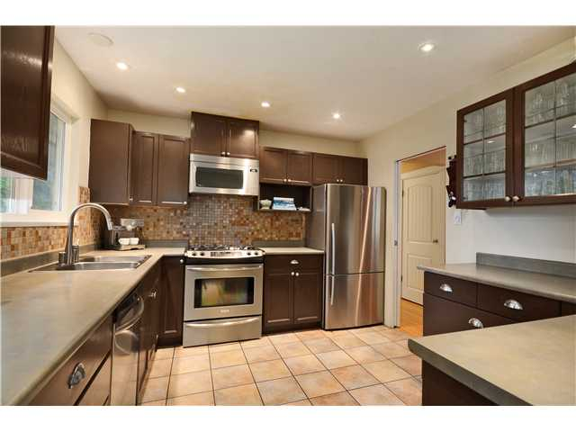 Photo 18: 2774 WILLIAM Avenue in North Vancouver: Lynn Valley House for sale : MLS® # V1041458