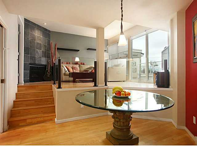 "Photo 3: 301 933 W 8TH Avenue in Vancouver: Fairview VW Condo for sale in ""SOUTH PORT"" (Vancouver West)  : MLS(r) # V1045299"