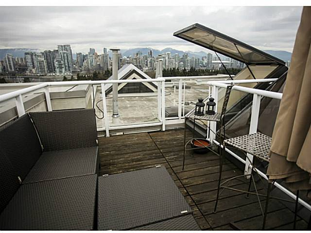 "Photo 16: 301 933 W 8TH Avenue in Vancouver: Fairview VW Condo for sale in ""SOUTH PORT"" (Vancouver West)  : MLS(r) # V1045299"