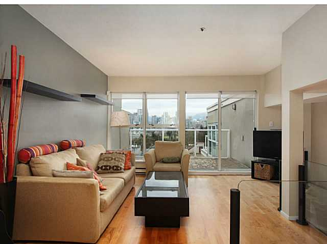 "Photo 4: 301 933 W 8TH Avenue in Vancouver: Fairview VW Condo for sale in ""SOUTH PORT"" (Vancouver West)  : MLS(r) # V1045299"