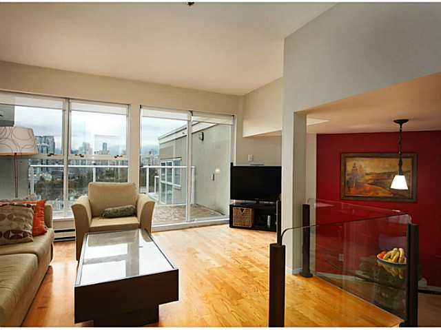 "Photo 5: 301 933 W 8TH Avenue in Vancouver: Fairview VW Condo for sale in ""SOUTH PORT"" (Vancouver West)  : MLS(r) # V1045299"