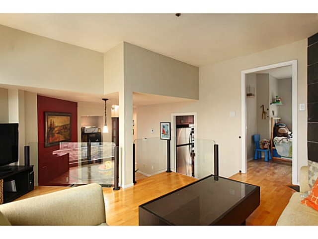 "Photo 6: 301 933 W 8TH Avenue in Vancouver: Fairview VW Condo for sale in ""SOUTH PORT"" (Vancouver West)  : MLS(r) # V1045299"