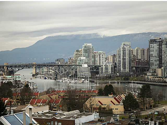 "Main Photo: 301 933 W 8TH Avenue in Vancouver: Fairview VW Condo for sale in ""SOUTH PORT"" (Vancouver West)  : MLS(r) # V1045299"