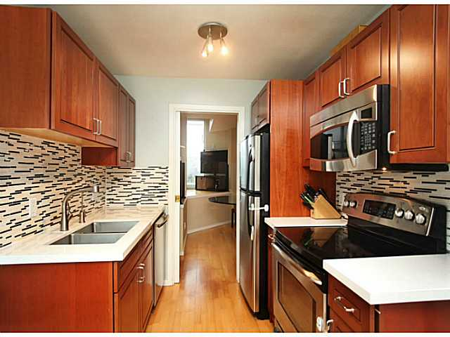 "Photo 8: 301 933 W 8TH Avenue in Vancouver: Fairview VW Condo for sale in ""SOUTH PORT"" (Vancouver West)  : MLS(r) # V1045299"