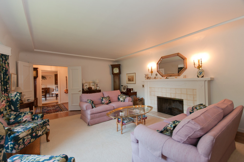 Photo 3: 2910 West 47th Avenue in Vancouver: Kerrisdale Home for sale ()  : MLS® # v880171
