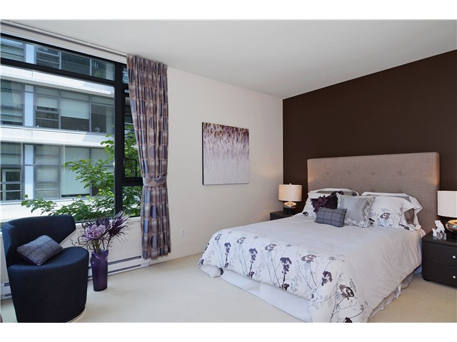 "Photo 8: 215 750 W 12TH Avenue in Vancouver: Fairview VW Condo for sale in ""TAPESTRY"" (Vancouver West)  : MLS® # V1069367"