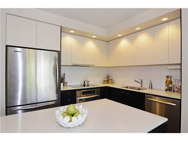 "Photo 6: 215 750 W 12TH Avenue in Vancouver: Fairview VW Condo for sale in ""TAPESTRY"" (Vancouver West)  : MLS® # V1069367"