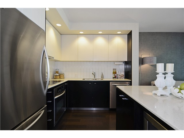 "Photo 7: 215 750 W 12TH Avenue in Vancouver: Fairview VW Condo for sale in ""TAPESTRY"" (Vancouver West)  : MLS® # V1069367"