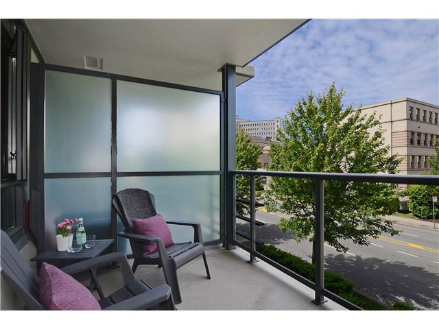"Photo 12: 215 750 W 12TH Avenue in Vancouver: Fairview VW Condo for sale in ""TAPESTRY"" (Vancouver West)  : MLS® # V1069367"