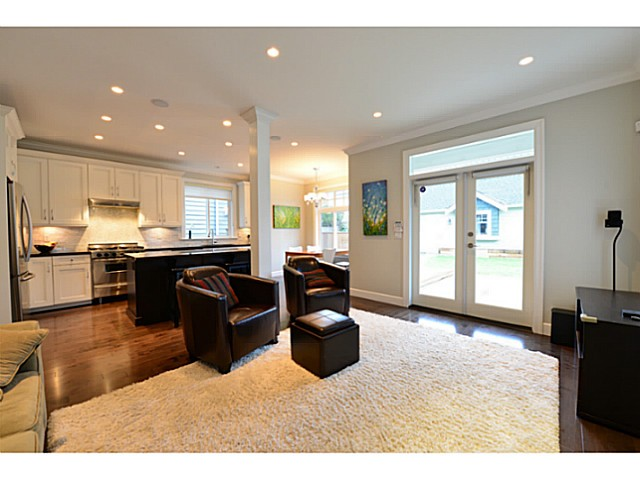 Photo 3: 3615 MAGINNIS Avenue in North Vancouver: Lynn Valley House for sale : MLS(r) # V1101514