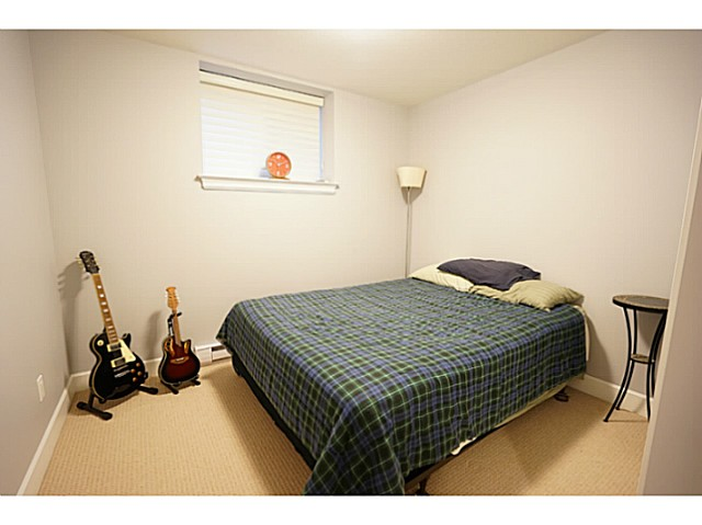 Photo 13: 3615 MAGINNIS Avenue in North Vancouver: Lynn Valley House for sale : MLS(r) # V1101514