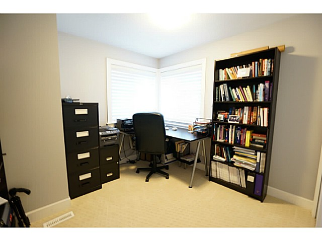 Photo 9: 3615 MAGINNIS Avenue in North Vancouver: Lynn Valley House for sale : MLS(r) # V1101514