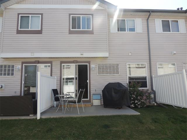 Photo 24: 37 MILLVIEW Green SW in Calgary: Millrise House for sale : MLS(r) # C4015611