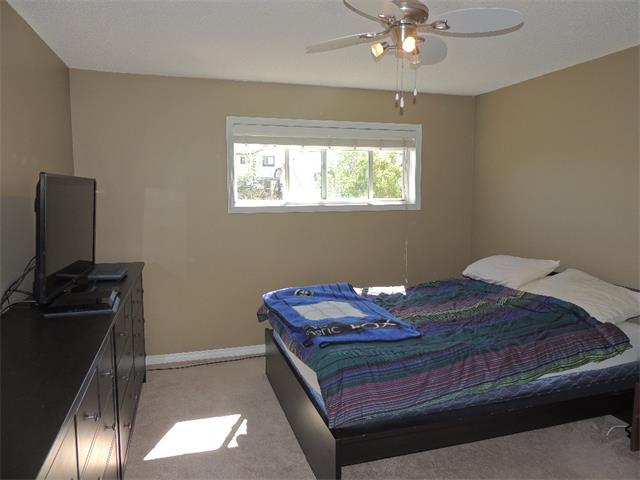 Photo 12: 37 MILLVIEW Green SW in Calgary: Millrise House for sale : MLS(r) # C4015611