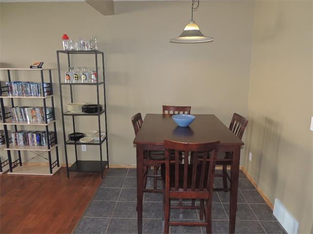 Photo 7: 37 MILLVIEW Green SW in Calgary: Millrise House for sale : MLS(r) # C4015611