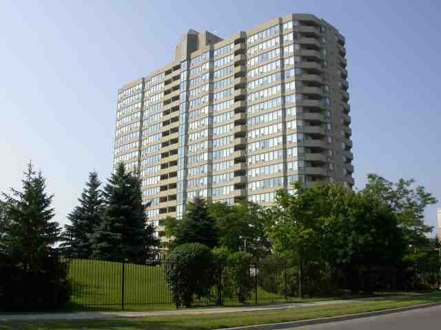 Main Photo: 206 700 Constellation Drive in Mississauga: Hurontario Condo for sale : MLS(r) # W3257483