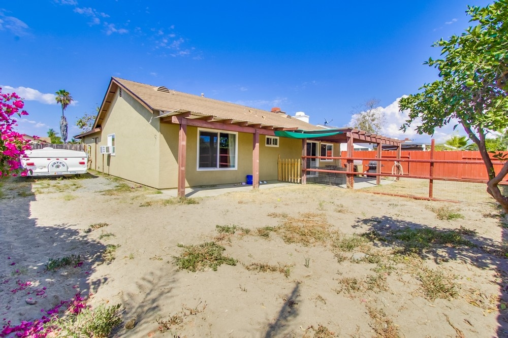 Photo 20: OCEANSIDE House for sale : 3 bedrooms : 3775 Cherrystone St