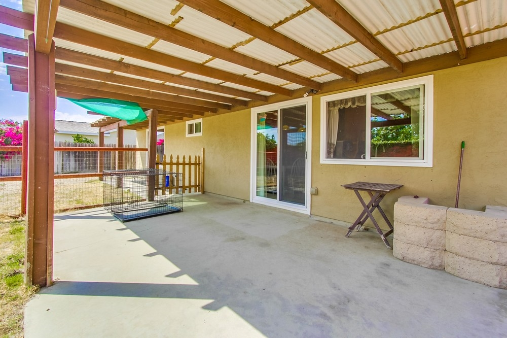 Photo 18: OCEANSIDE House for sale : 3 bedrooms : 3775 Cherrystone St