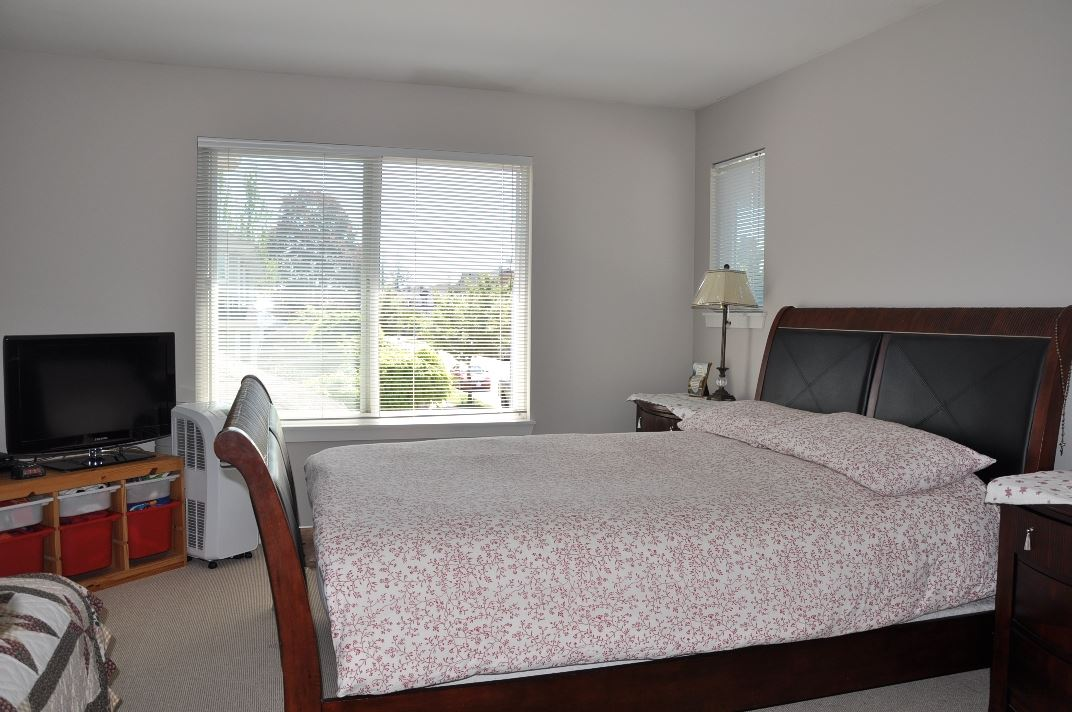 Photo 7: 15902 88 Avenue in Surrey: Fleetwood Tynehead House for sale : MLS® # R2059996