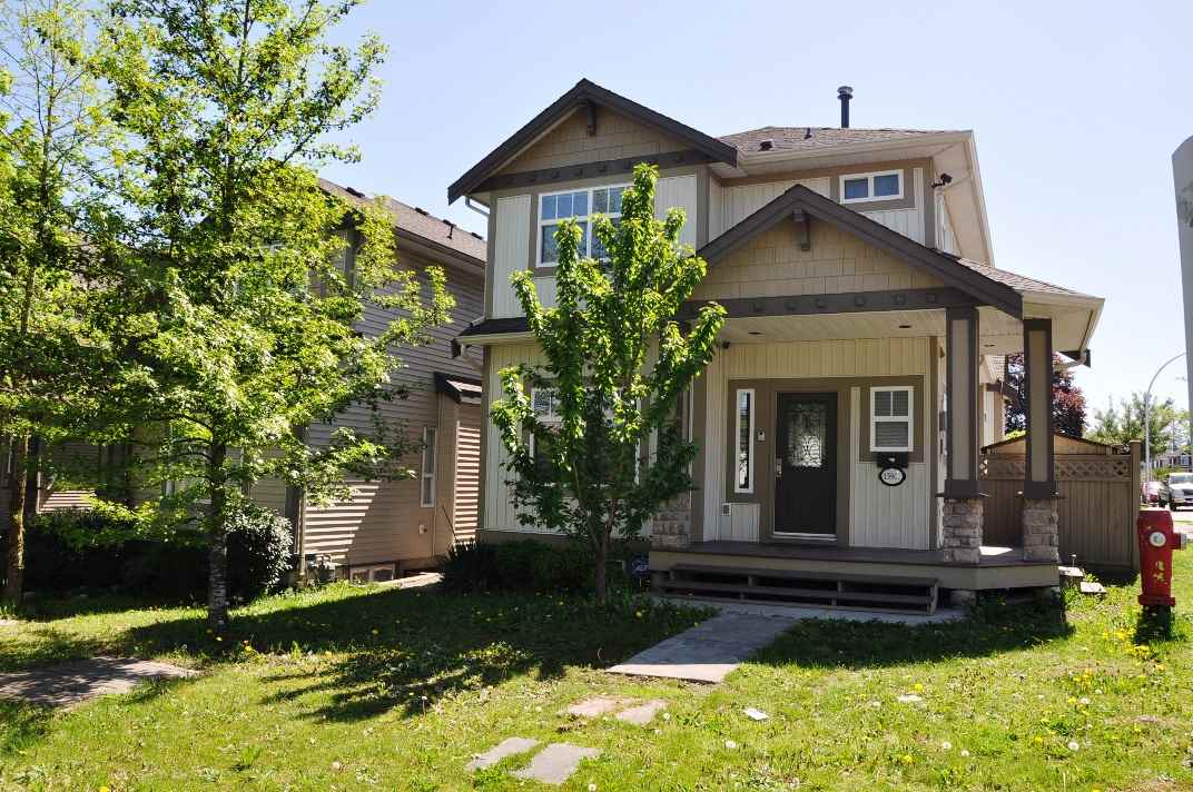 Main Photo: 15902 88 Avenue in Surrey: Fleetwood Tynehead House for sale : MLS® # R2059996