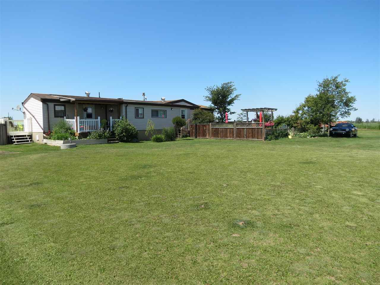 Photo 3: 55231 RR 261: Rural Sturgeon County Manufactured Home for sale : MLS® # E4051426