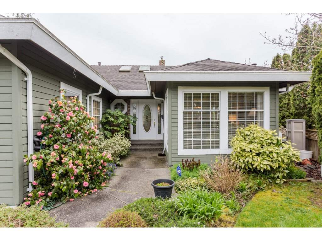 "Photo 2: 14630 18TH Avenue in Surrey: Sunnyside Park Surrey House for sale in ""The Glens"" (South Surrey White Rock)  : MLS® # R2156092"