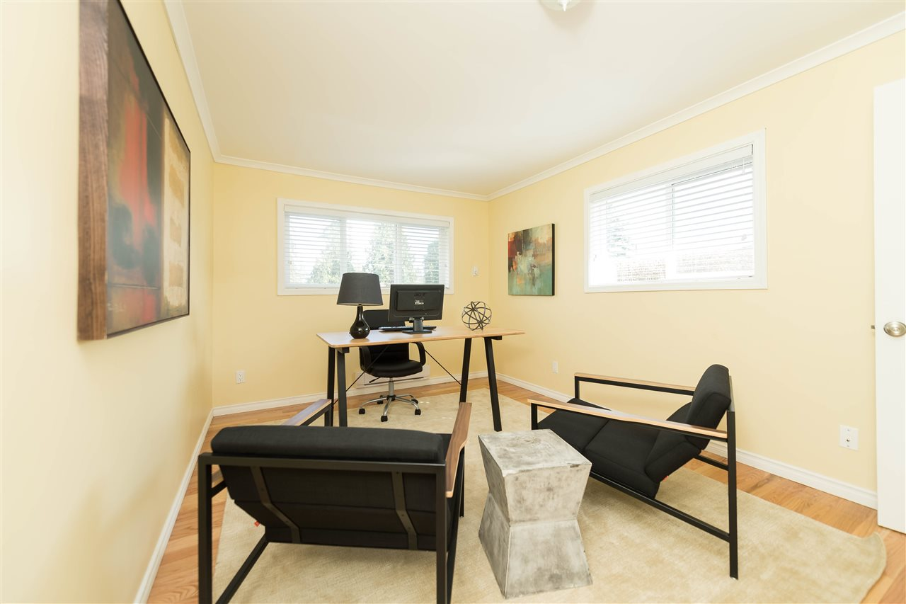 Photo 15: 2479 LAURALYNN Drive in North Vancouver: Westlynn House for sale : MLS® # R2158563